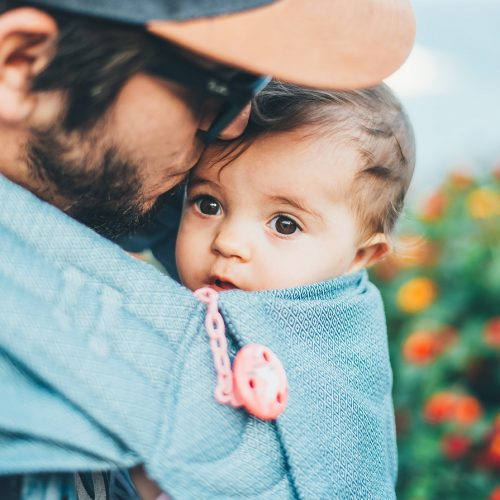 dad-babywearing-crop